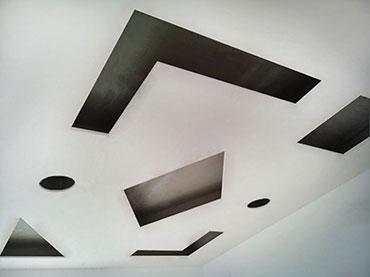 Γεωμετρικά σχέδια σε οροφή παιδικού δωματίου σε οικία στην Ραφήνα