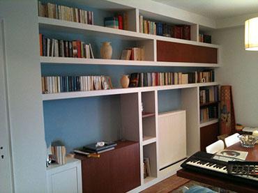Βιβλιοθήκη σε οικία στην Αγία Παρασκευή