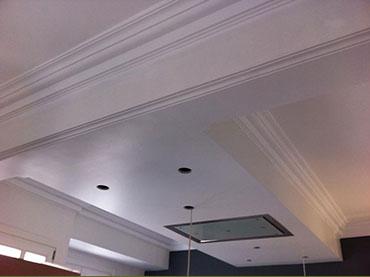 οροφή και γύψινα σε οικία στην Ακρόπολη.