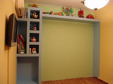 ραφιέρα σε παιδικό δωμάτιο στο Μενίδι