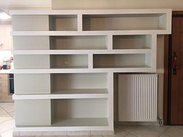 Σύνθεση, βιβλιοθήκη σε οικία στην Μεταμόρφωση.