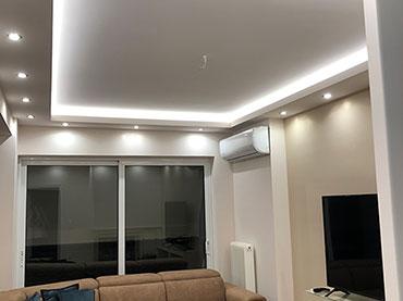 Οροφή με κρυφό φωτισμό σε οικιά στον Περισσό.