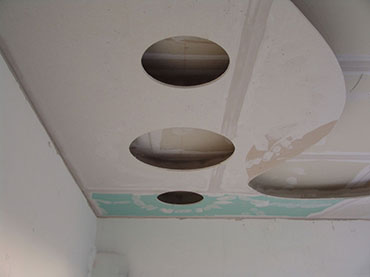 οροφή με σχέδια κύκλους