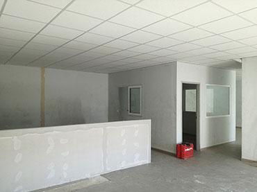 Οροφη ορυκτής ίνας στα γραφεία των καταστημάτων istikbal