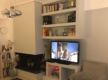 Σύνθεση tv βιβλιοθήκης σε οικία στο Παλαιό Φάληρο.
