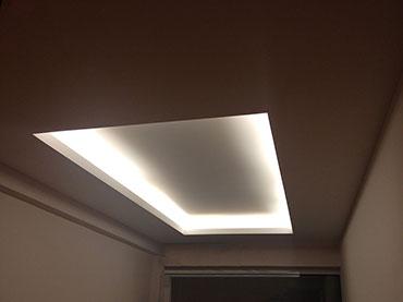 Οροφή με κρυφό φωτισμό σε κατάστημα  στην Κηφισιά.
