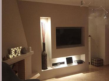 Σύνθεση  τηλεόρασης σε οικία στην Δραπετσωνα