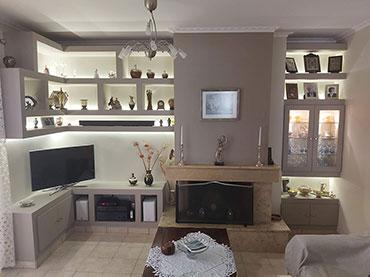 Σύνθεση ραφιέρα σε οικία στο Νέο Ηράκλειο.